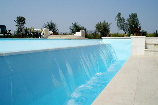 Dettagli esclusivi delle piscine a sfioro zavatti - Piscina a cascata ...