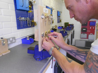 locksmith training school